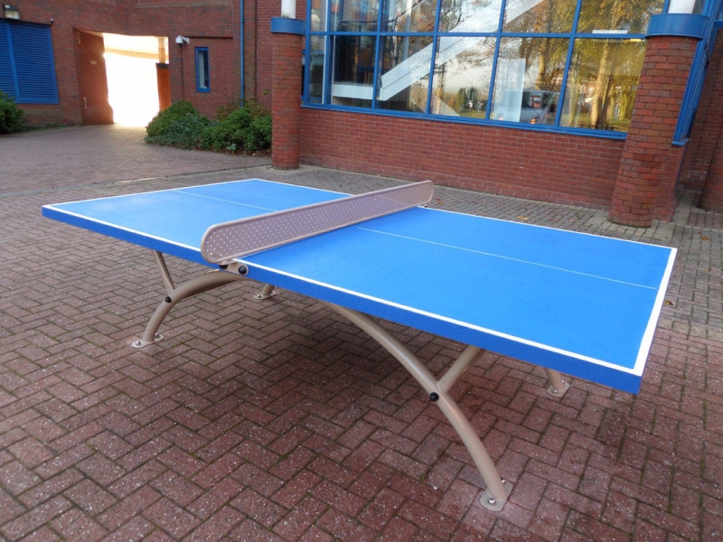outdoor-table-tennis-table