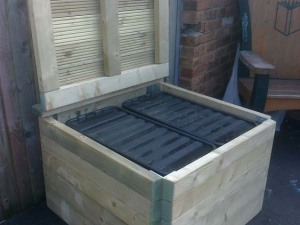 Outdoor toy box